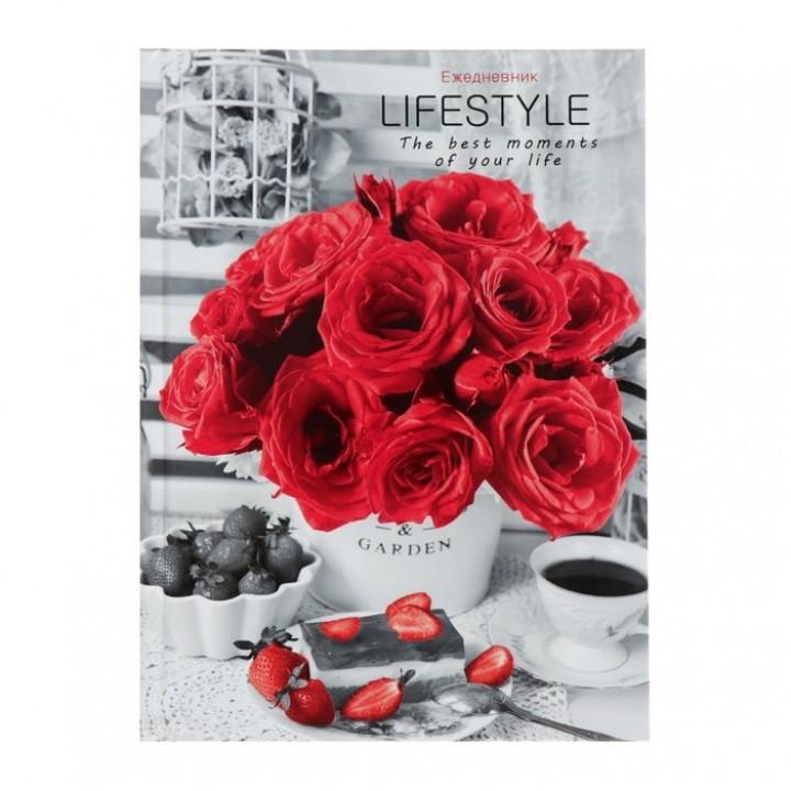 Ежедневник недатированный А5, 80 листов «Розы и клубника. Контраст»